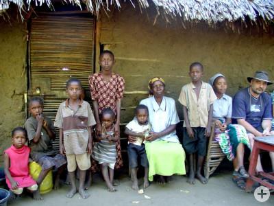 Besuch bei einer Aidswaisenfamilie