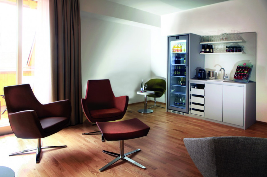 Lounge mit Honesty Bar