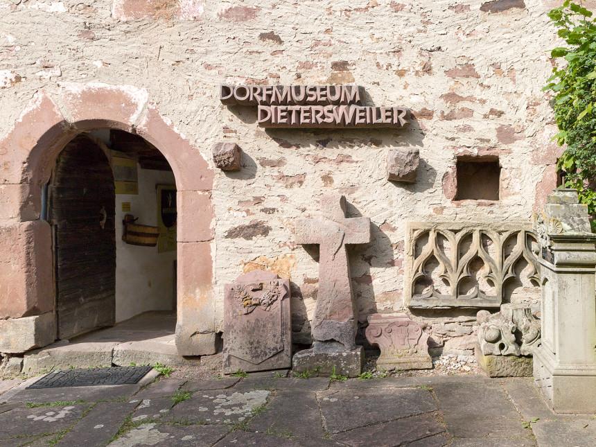Der Eingangsbereich des Dorfmuseums Dietersweiler